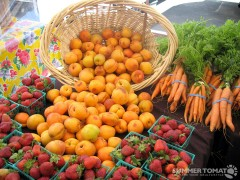 Apricots and Strawberries